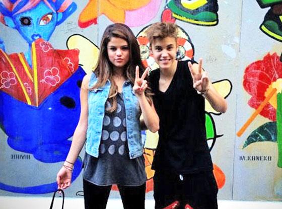 Selena Gomez and Justin Bieber in Tokyo. (Facebook.com)