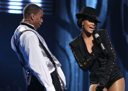 Rihanna and Chris performed together at the 2007 MTV Video Music Awards.