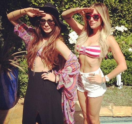 vanessa-hudgens-ashley-tisdale-bikini